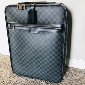 🌟 LOUIS VUITTON Damier Graphite Pégase 55 Luggage